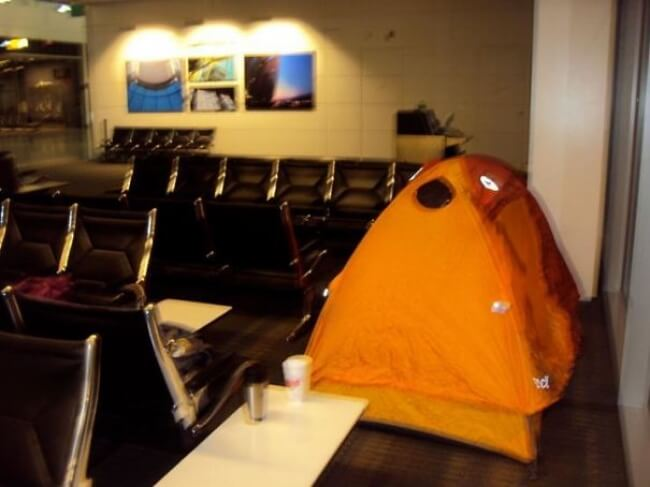 mustget-airport-camping