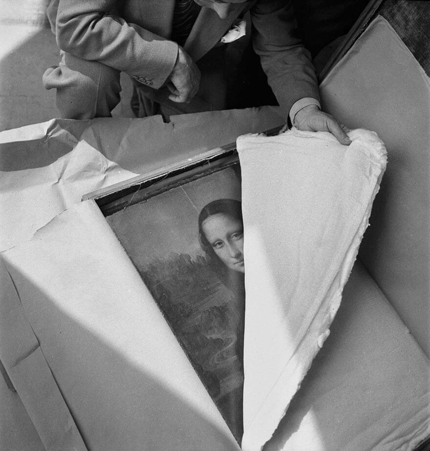 """""""Мона Лиза"""" Да Винчи возвращается в Лувр после Второй мировой войны"""