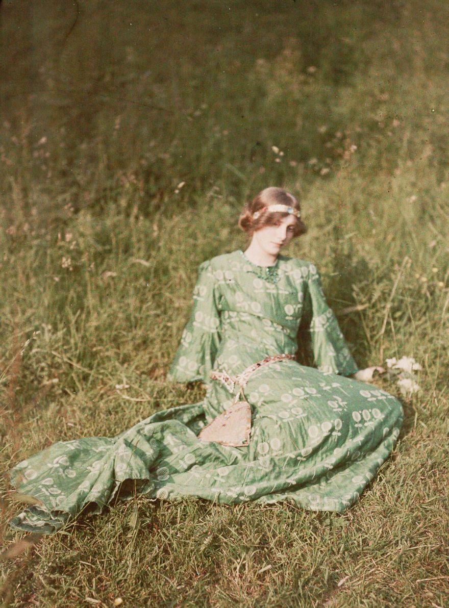 Девушка мечтает, 1909