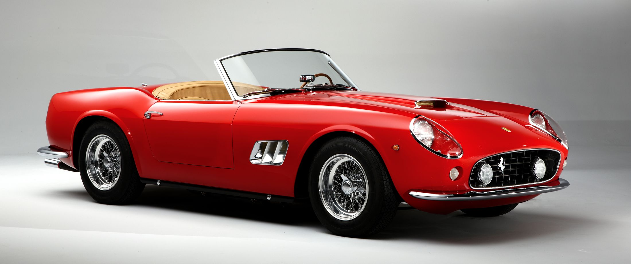 1961-Ferrari-250-GT-California
