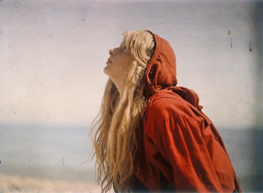 Кристина в красном, 1913 г.